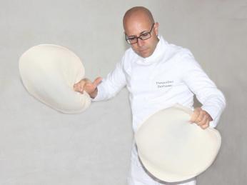 Pizza Acrobat;Chef Pasqualino Barbasso - JW Marriott Mumbai (1)
