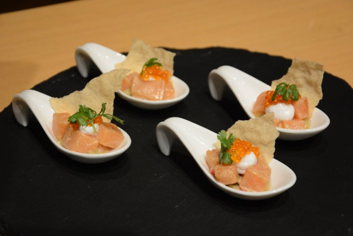 Salmon ceviche, crispy papadum and mint chutney