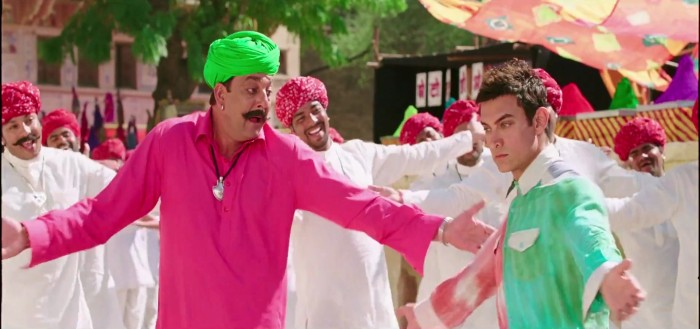 When Munnabhai & 3 Idiots unite; PK with his only friend on Earth - Bhairon Singh
