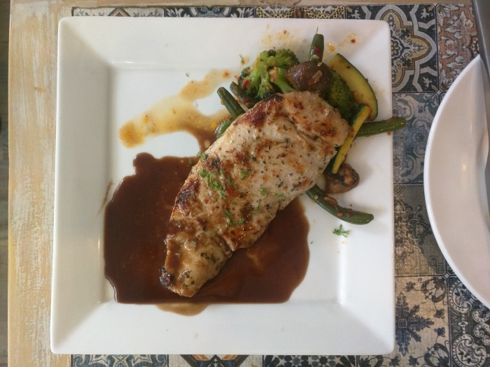 Home-style Grilled Chicken – Grilled chicken breast with red wine jus & mash potato