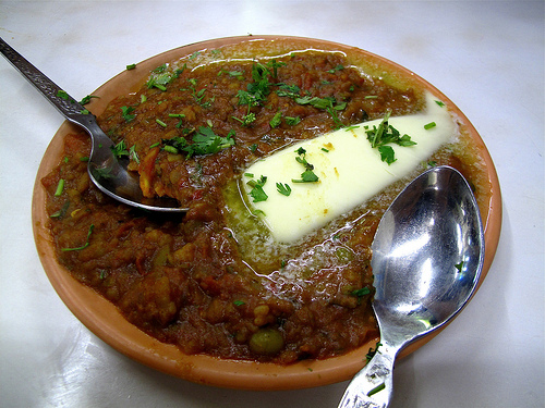 Pav Bhaji at Sardar's Refreshments (Photo Courtesy - madoverfood.blogspot.com)