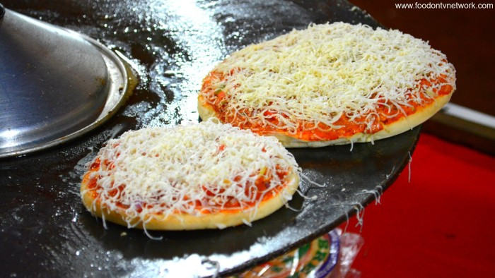 Tawa Pizza, opp. Lower Parel Railway Station (Photo Courtesy - Street Food & Travel TV India)