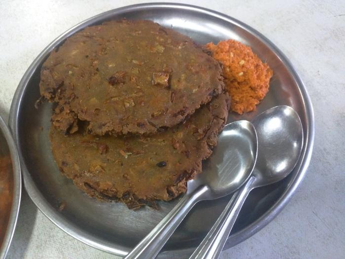 Thalipeeth at Tambe Arogya Bhavan
