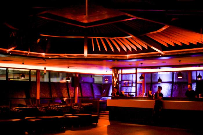 Where do we get a lounge with a huge seating area - with other tables not on your face, a large dance floor and good music? Casa Vito's ambiance is one thing that'll make you go back.